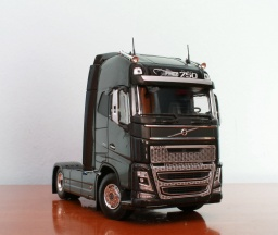 Volvo FH16 04